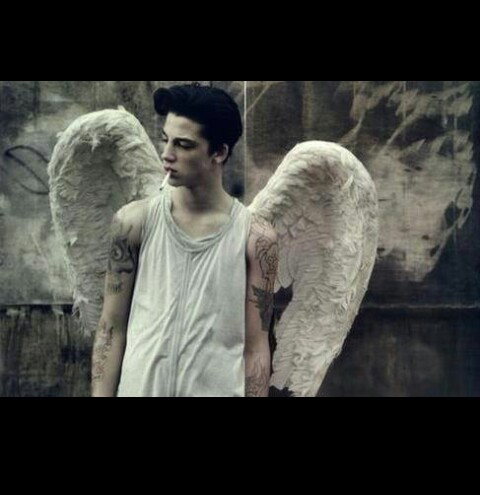 angel, bad, bad boy, boys, brun, cigarettes, cutz, death, depressed, depression, fumee, guy, help, lost, mort, muscle, rebelle, sad, smoke, tattoos, teen, white, wings, young, manque, haine, colere, frighten, deprrssion, deprime