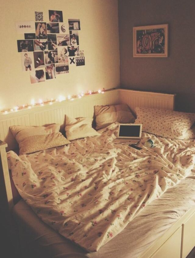 Bed Room Lights Polaroid Room Sleep Tumblr Turquoise Wall