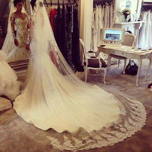 backless, fashion, gown and lace