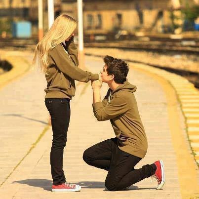 boy and girl relationship in high school Why i'm not dating in high school year old boy from looking at an attractive girl his allowing his current relationship ruin his high school career and.