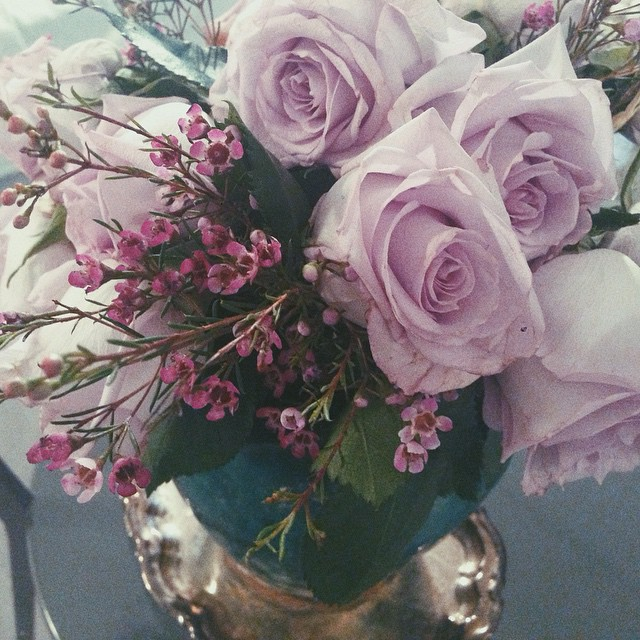 adorable, amazing, awesome, beautiful, beauty, bouquet, colors, cute, floral, flowers, gorgeous, green, inspiration, leaves, lilac, love, luxurious, luxury, pastel, petals, plant, pretty, purple, roses, vase, wallpapers, ♥, lilac roses