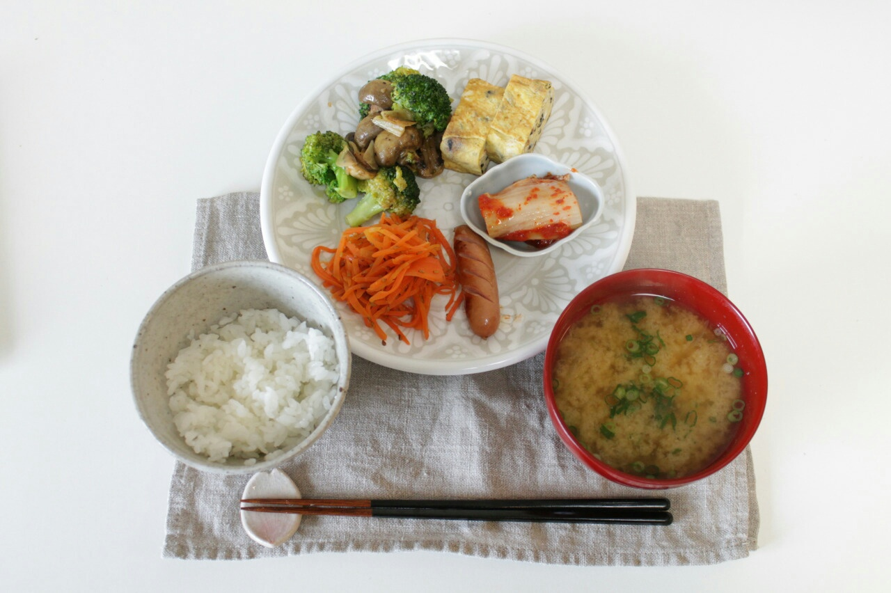asian, breakfast, broccoli, egg, food, green, healthy, japan, japanese food, kimchi, meal, mushroom, rice, roll, salad, sausage, soup, vegetables