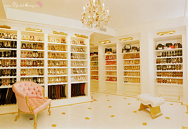 It's Every Fashion Girl's Dream: A Major Walk-In Closet! | Miss Jey on we heart it / visual bookmark 34104028