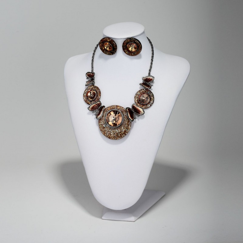 beautiful, butterfly, butterfly bib necklace and butterfly shell