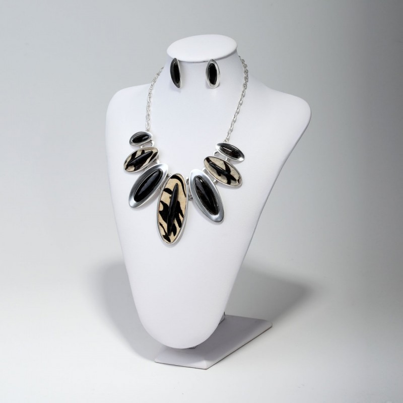 animal print, animal print necklace, fashion and horse hair necklace