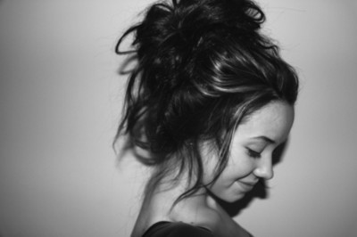 Added  Oct  17  2012   Image size  400 x 266 px   More from  weheartit    Tumblr Messy Hair Bun
