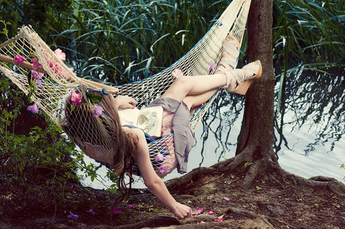 alberi, amaca, art, beautiful, book, couple, cute, fashion, girl, hair, photography, pretty