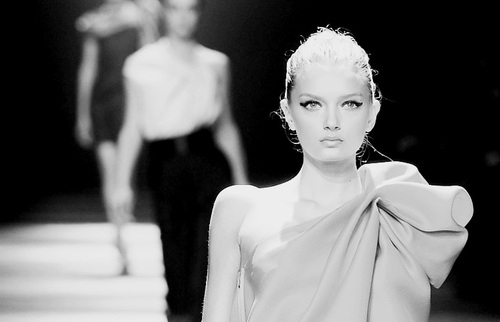 black nad white, fashion, fashion show, grey, runway