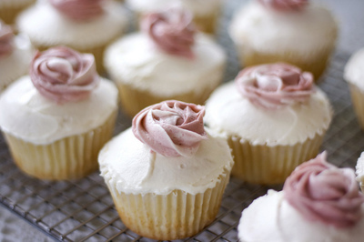 art, beautiful, couple, cupcakes, cute, fashion, frosting, hair, photography, pink, pretty, roses, vanilla, white