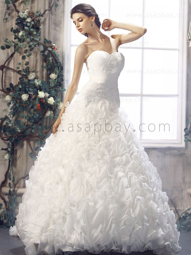 cute adorable beading tiered pick-ups sweetheart ivory chapel train ball gown wedding dress