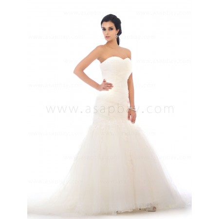 cute adorable sweetheart trumpet/mermaid wedding dress chapel train beading