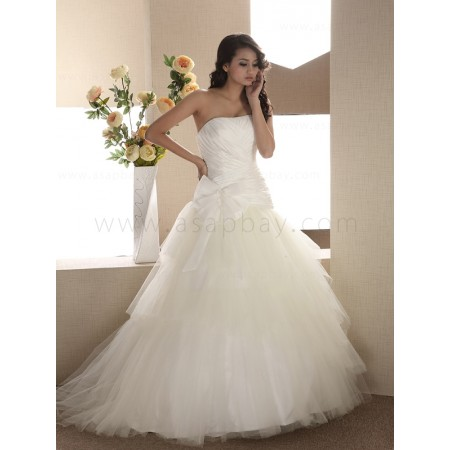 elegant unique tulle ivory chapel train strapless a line wedding dress