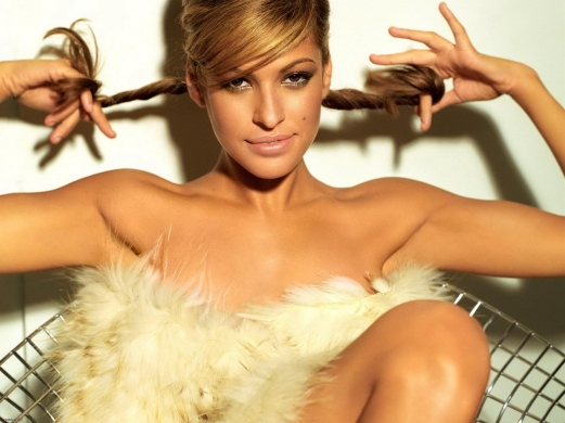 eva mendes, blonde hair, fur