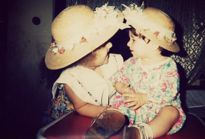 flowers.hat, sisters, together