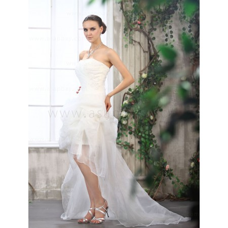 girl fashion high low strapless wedding dress decorated with beading ruched court train
