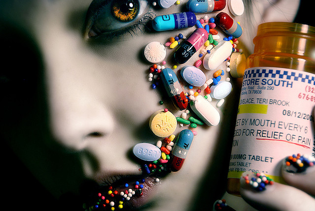 girl, pills, beautiful