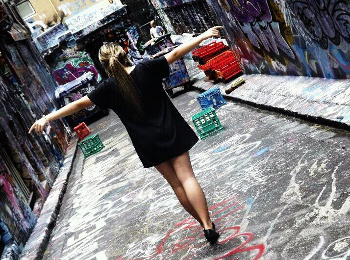 graffiti, girl, alone, photography