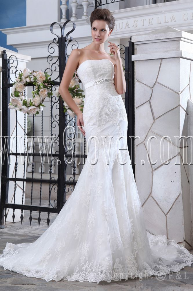 elegant lace bridal gowns, lace bridal gown designers, lace couture bridal gowns and mermaid lace wedding dress