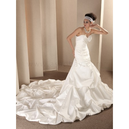 satin ivory chapel train sweetheart a line wedding dress