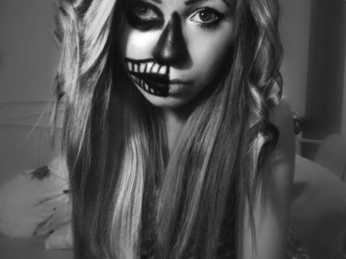 alone, b&w, black and white, crazy, girl, skeleton, swag