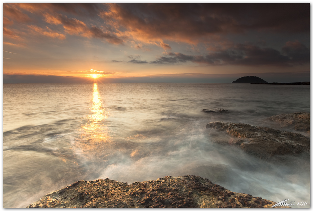8l ii usm, albenga, ballhead, bravo, canon eos 5d mark 2, chris frick, clouds, dusk, filter, gitzo, isola gallinara, italy, lee, liguria, long exposure, mediterranean sea, morning, rocks, sea, seascape, sunrise, sunstar, tripod, wide angle