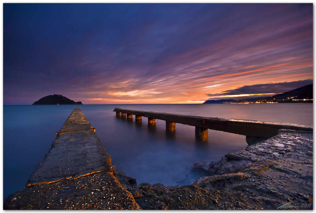 alassio, albenga, ballhead, canon eso 5d mark 2, chris frick, coast, filter, gitzo, isola gallinara, jetty, lee, long exposure, mediterranean sea, sea, seascape, shore, tripod, wide angle
