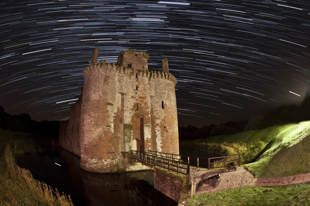 dumfries, castle, star, trail