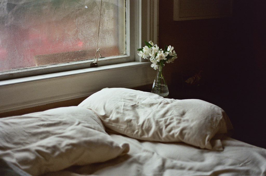 film, home, bed, olympus om-2n
