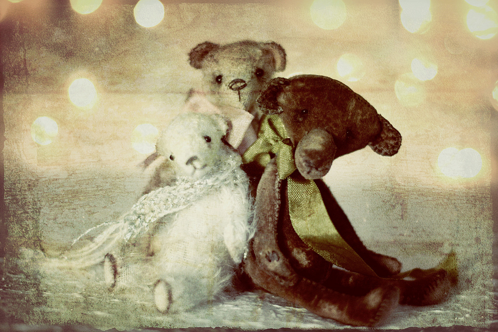 Petite Wanderlings, handmade bears, vintage, polar bear