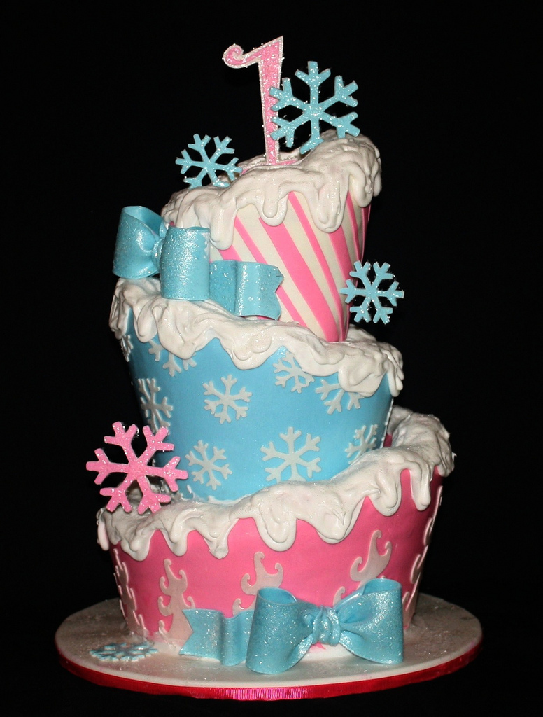 Winter ONEderland, TopsyTurvy, 1st birthday cake, snowflakes