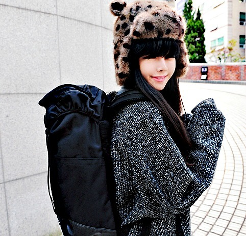 adorable, asian, bag, bangs, beautiful, black hair, cute, eye liner, fashion, girl, hair, hat, jo min young, kfashion, korea, korean, make up, pretty, seoul, style, sweater, ulzzang