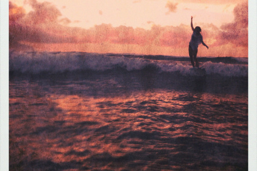 agua, beach, fille, girl, hawaii, nina, ocean, oceano, ondas, orange, persona que practica surf, playa, purple, summer, surf, surfer, surfing, water, waves
