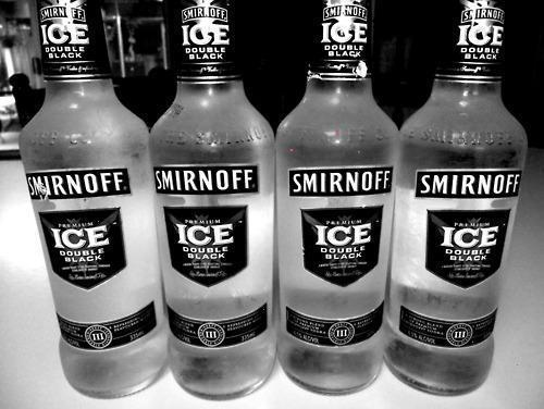 alcohol, bebida, black and white, bottles, drink, drinks, ice, idrink, party, photography, smirnof, smirnoff