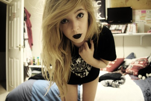 alternative, alternative girl, beautiful, black lipstick