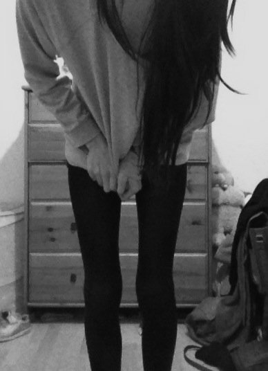 amazing, b&w, beautiful, black, black and white, girl, hair, long hair, pretty, skinny, thin, want, white
