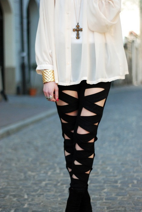 amber, blouse, cream, criss, cross, fashion, girl, leggings, zig zag