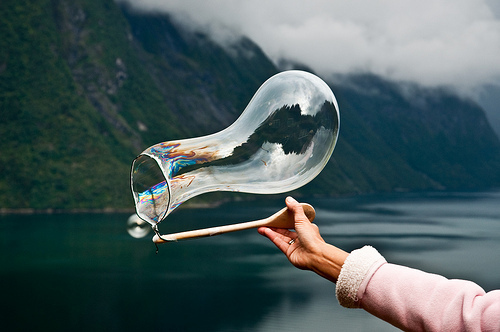 art, awesome, beautiful, bubble, girl, hand, hipster, indie, landscape, photo, photogaphy, pretty, soap bubbles, tumblr
