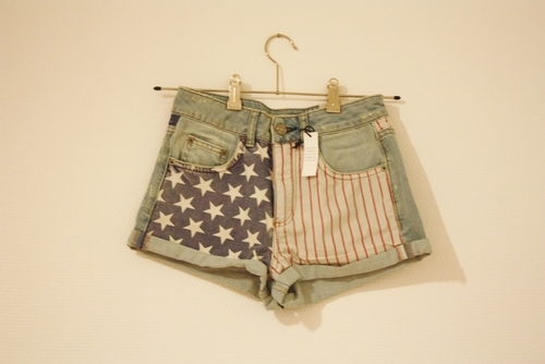 awesome, colors, fashion, flag, grey, high wasted, jeans, jeans shorts, photgraphy, shorts, stars, usa, vintage