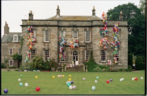 ballons, beautiful, beauty, blue, england, fun, funny, garden, green, house, lilly allen, lily allen, photography, pink, red, special, tim walker, windows