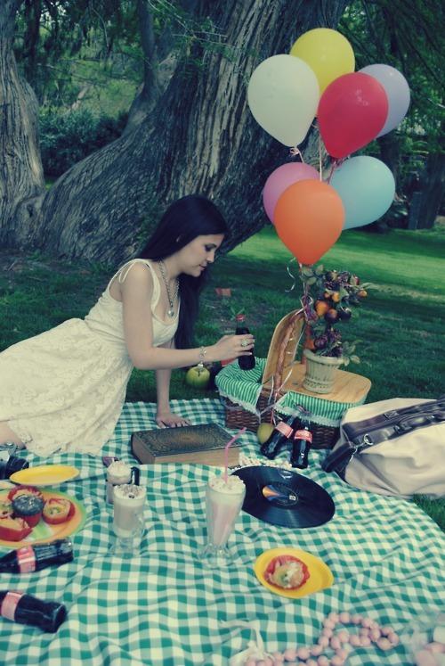 balloons, girl, love, music, picnik, pink, pretty, vintage, wonderland