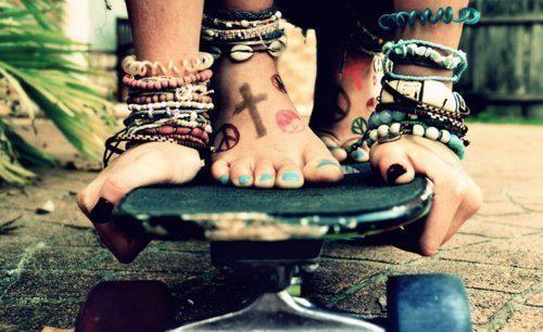 barefoot, girl, love, peace, skateboard