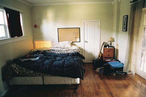 beautiful, bedm unmade, flickr, hipster, indie, l-i-o-n-s, live, photo, photography, room, sleep, tumblr, window