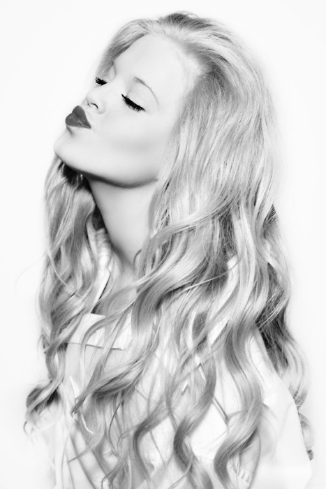 beautiful, black, black and white, blonde, cute, fashion, girl, hair, kiss, lips, long, long hair, pretty, swag, sweet, white