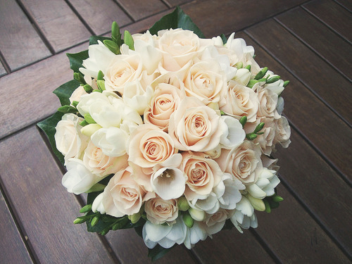 beige, cream, cute, flowers, girly, glamour, gorgeous, lilies, luxury, minimal, nature, pretty, roses, white