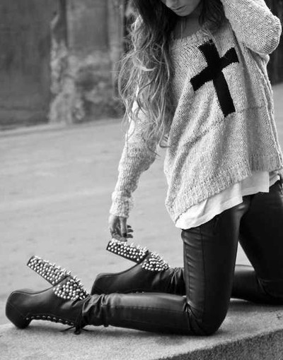 black, black and white, blonde, body, cross, fashion, hair, heels, high, high heels, jumper, leahter, leather boots, leather high heels, leather throusers, street, street fashion, studs, t-shirt, throusers, white, white t-shirt