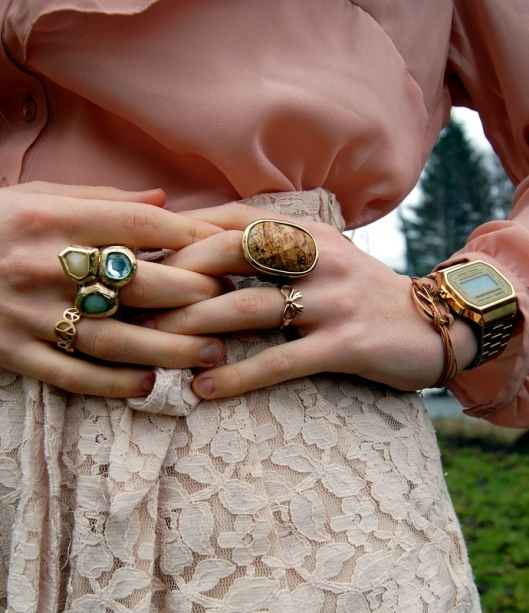 blogger, blondes, clock, fashion, rings, shorts