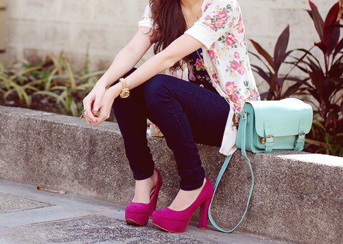 blonde, bohemian, chic, cute, dress, drink, eyes, fashion, floral, free, girl, girly, hair, happy, heels, hippie, hipster, legs, nails, peace, pink, pretty, shoes, skinny, smile, style, teen, vintage, white, young