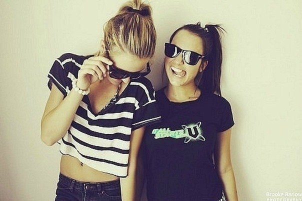 blonde, brunette, friends, fun, funny, girls, happy, laugh, sun glasses