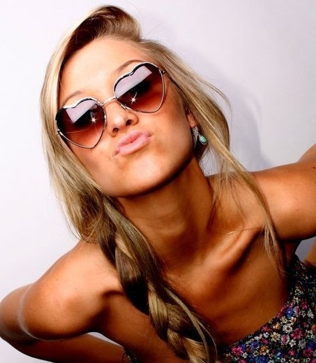 Blonde fashion fun girl heart kiss photography shades