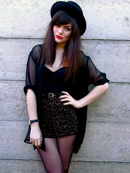 bowlers hat, bustier, cool, corset, fashion, hat, high waist, high waisted, hipster, leopard, robe, sheer, shorts, style, stylish